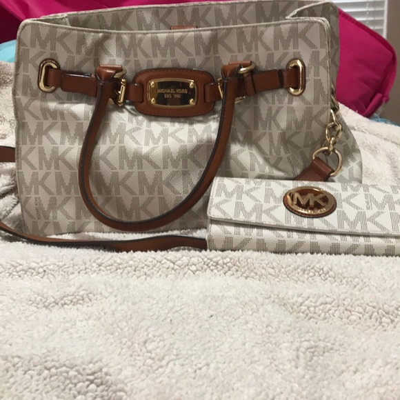 44436576e0d MICHAEL Michael Kors Bags   Mk Purse With Matching Wallet   Poshmark
